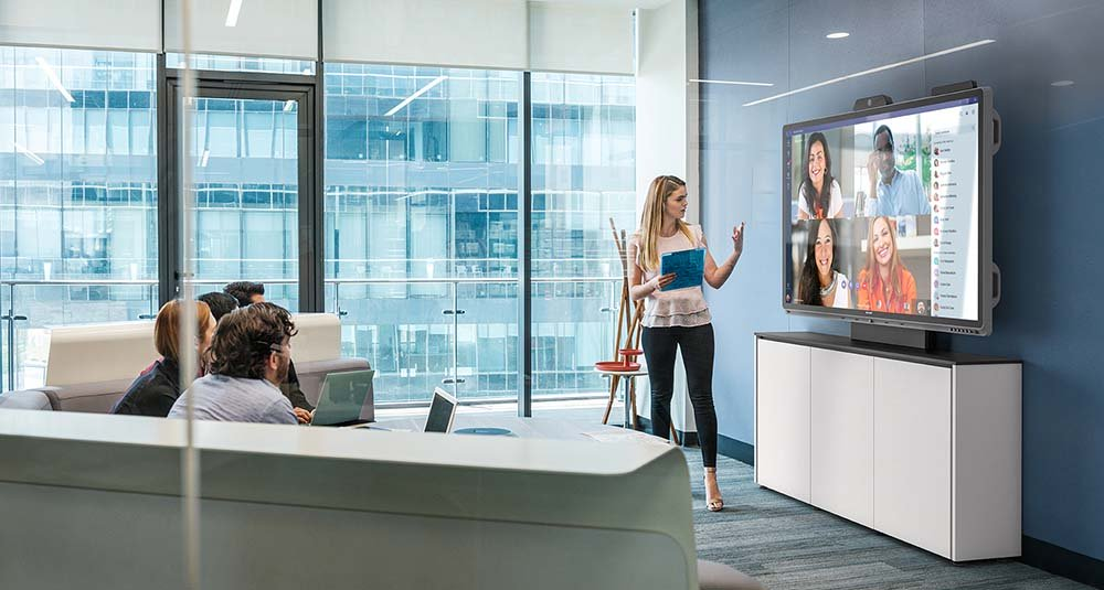 Interactive Whiteboard Solutions for Schools: One Screen and Samsung Flip